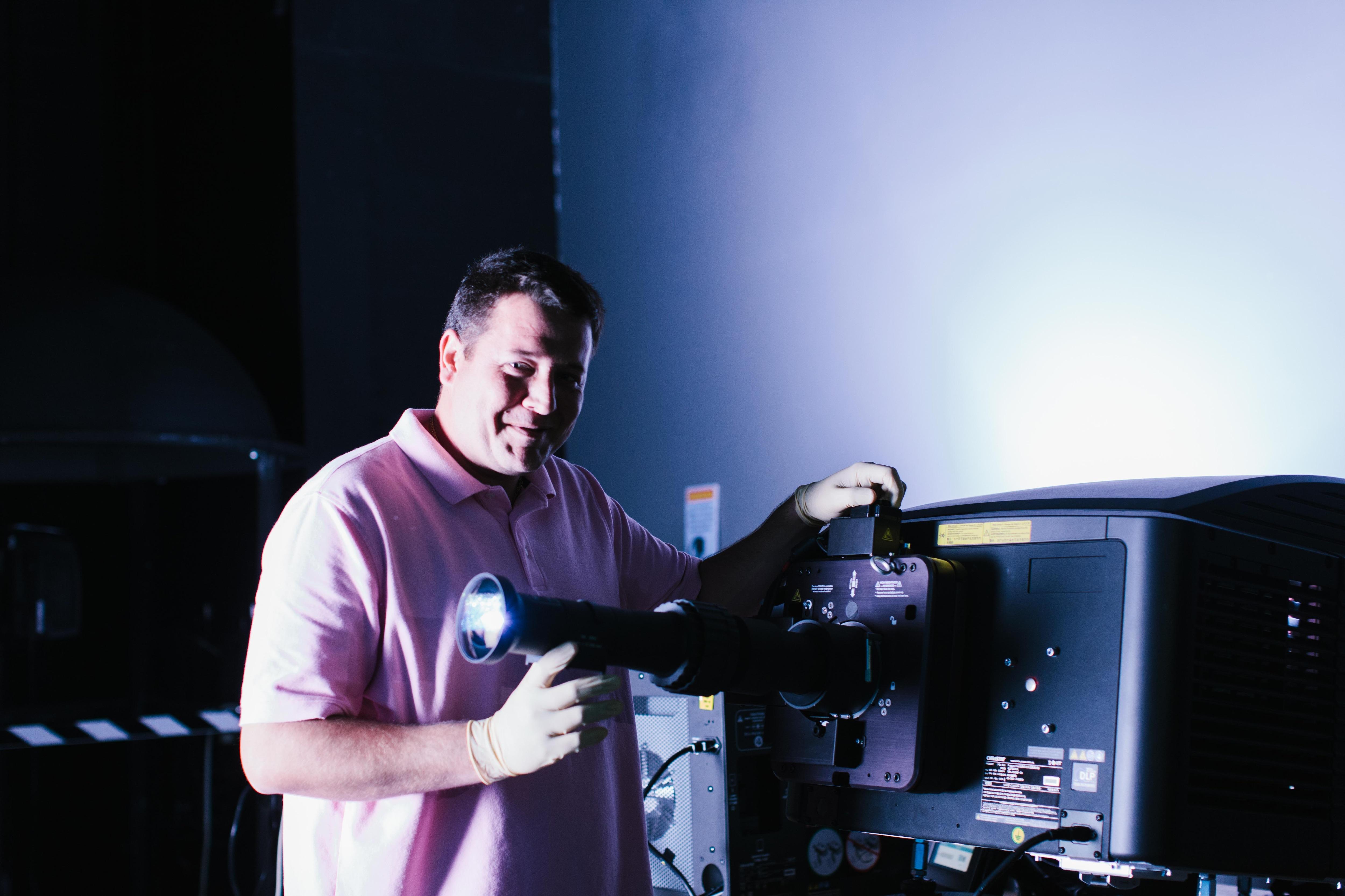 Laser Entfernungsmesser Jenoptik : Chris palermiti jenoptik